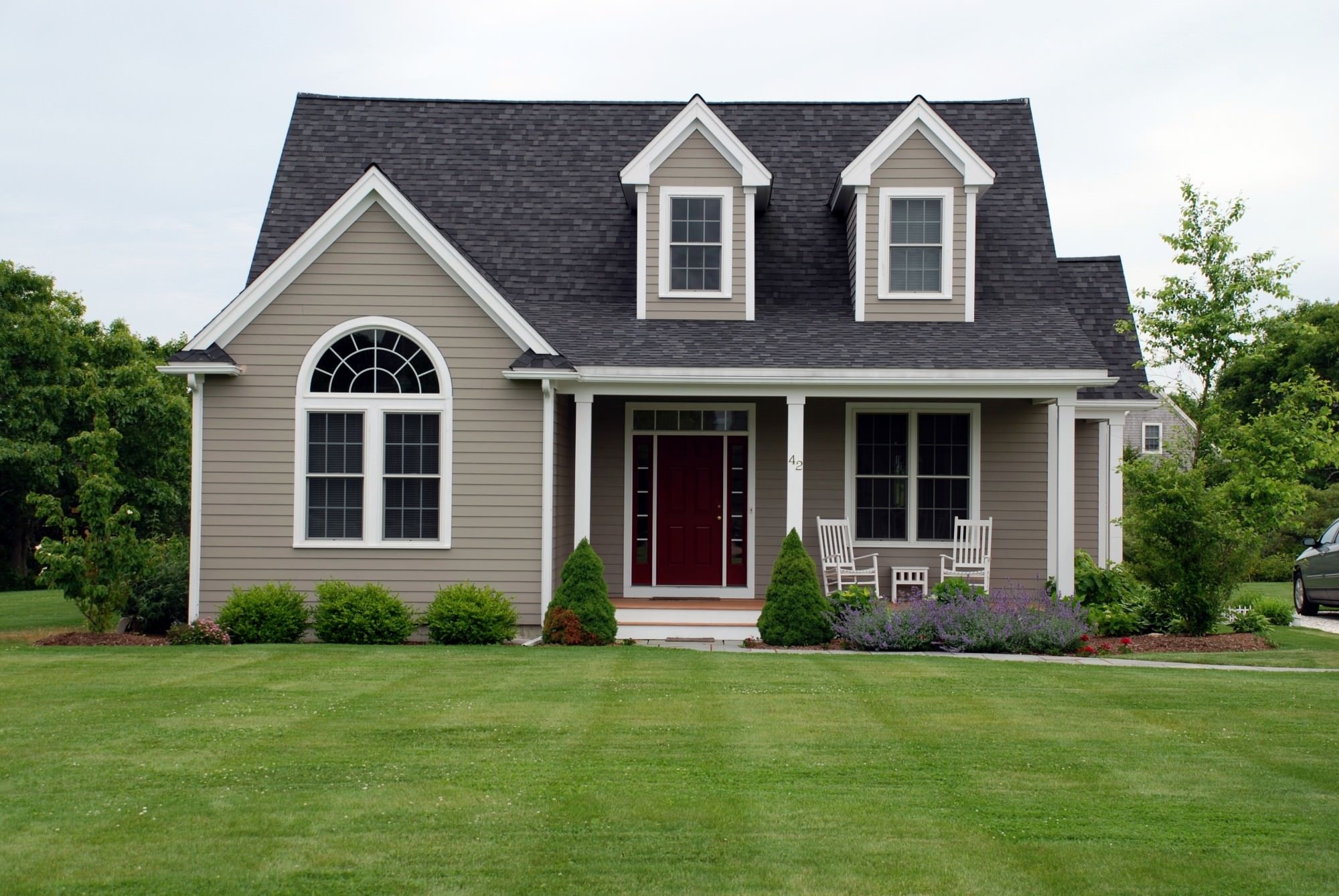 single-family-home-green-lawn-e1416364696956-1